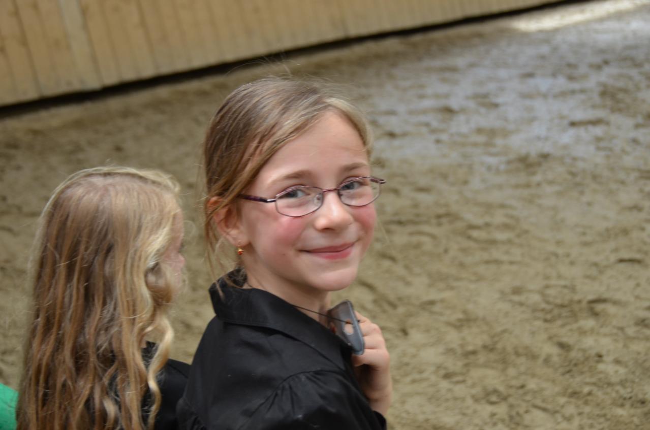 Lucie toute souriante!